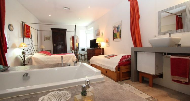 Room bougainville habitation bougainville chambre d for Chambre d hote marseille