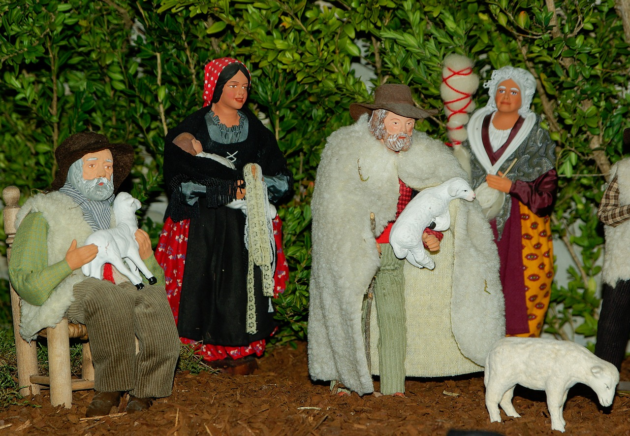 traditions noel marseille provence santons